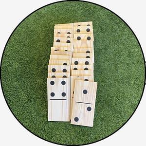 Mega Dominos